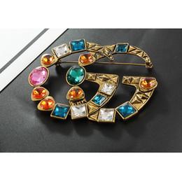 Nova Famosa Marca Designer Retro Cristal Broche de Luxo Do Vintage Multicolor Rhinestone Terno Lapela Pino Marca de Jóias Acessório de