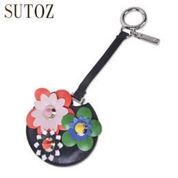 Wholesale Wholesale Leather Luggage - Fashion Flower Rivet Hang Tag for Luggage Round Floral Pendant for Women Bags Pink Small Ornaments Rings Leather Bags Tags GJ09