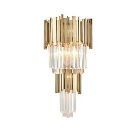 Applique murale de style européen en Ligne-Applique murale postmoderne simple lampe de chevet de style américain salon chambre nordique créatif européen allée cristal lampe murale