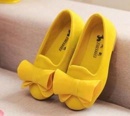 Zapatos de bebé dulces online-Calzado para niños Calzado grande Flock Bow Candy Candy Girls Calzado princesa Calzado sin cordones Sandalias para niñas Bebé individual