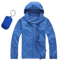 Ropa de protección de verano online-Ropa de protección solar al aire libre de la ropa de la protección del sol de la ropa de los hombres y de la mujer ropa de protección solar cazadora delgada azul al aire libre