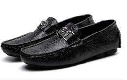 Wholesale quality hard drives - 2018 fall high quality mens Multicolor Genuine Leather luxury buckle Loafers Medusa Driving slippers driver shoes Plus Size EUR38-47 NX2A31