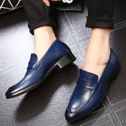 scarpe casual di wingtip Sconti M-anxiu 2018 Scarpe da uomo in vera pelle Scarpe moda Casual Festa nuziale Vestito Wingtip Mocassino traspirante