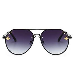 Deutschland New Bee Sonnenbrille Frauen Trendy Luxus Sonnenbrille Retro Metallrahmen Mode Marke Designer Vintage Lunettes Zubehör cheap trendy sunglasses brands Versorgung