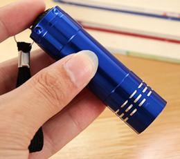 Fackellicht online-Neue tragbare 9 cree led uv licht taschenlampe wandern taschenlampe aluminiumlegierung geld erfassen led uv lampe licht mit box keine batterie 2019