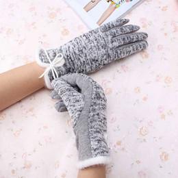 Neue arrivial elegante frauen kaschmir winter baumwolle wolle handschuhe warmweiß plüsch bowknot winddicht handschuh für frauen beste geschenke von Fabrikanten