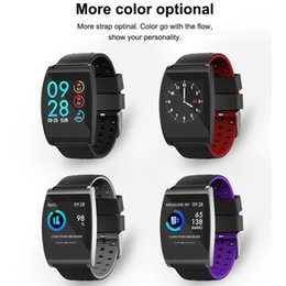 QS05 braccialetto intelligente HD Fashion Metal Frame Screen Display IP67 impermeabile pedometro Salute Monitor sveglia intelligente Wristband da allarme del braccialetto fornitori