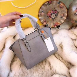 Deutschland Explosion Marke Luxus Frauen Spikes Handtaschen Designer 11 Farben Weiches Leder Umhängetasche Schultergurt Damen Tote Umhängetaschen Versorgung