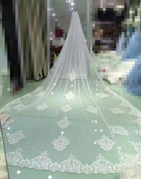 Canada 4 Mètres Blanc Ivoire Cathédrale Voiles De Mariage Longue Dentelle Bord De Voile De Mariée avec Peigne Accessoires De Mariage Mariée Mantilla Voile De Mariage Offre