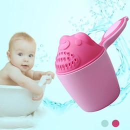 Presentes do banho de chuveiro de bebê on-line-Verão dos desenhos animados Do Bebê Shampoo Escudo Infantil Xícara de Chuveiro crianças Brinquedos Banheira Banheira Produtos de Banho para o cuidado do bebê Presente