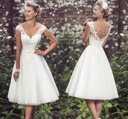 fe8ec713ad Elegante longitud de té Vestidos de novia cortos Gorro Mangas Apliques  Vestidos de novia de encaje Vestidos de novia cortos de tul con cuello en V