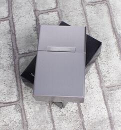 Bâton boîtier en métal en Ligne-Étui à cigarettes étui à cigarettes nouvelle mode en alliage d'aluminium 20 baguettes étui à cigarettes rabat magnétique couleur aléatoire