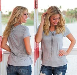 v neck new model t shirts Desconto Modelos de explosão de verão MM tamanho grande com decote em v casual solto t-shirt top Costura de cor sólida de manga curta das mulheres novo estilo