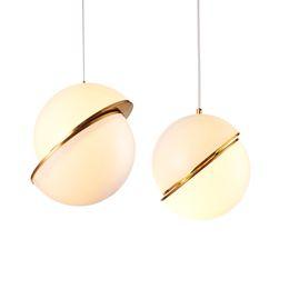 Canada Design Italien Moderne Luxueux Lustres Art Déco Acrylique Crescent Light Moon lampes suspendues lampes Luminaire bar cuisine salon cheap italian living rooms Offre