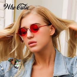 f9fde062c Moda 90 s Pequeno Rodada Óculos De Sol Das Mulheres Dos Homens Marca  Designer Retro Vintage Slim Moldura Little Red Circle Óculos de Sol Shades  OM754