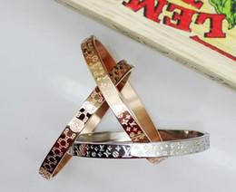 2018Luxo marca de moda jóias C carta pulseiras pulseira preta para mulheres homens banhado a ouro cinto de pulso pulseiras manguito fivela pulseiras de amor de