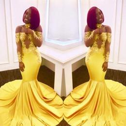 Скромные платья день онлайн-Пром платья 2018 скромный черная девушка желтый кружева эластичный Атлас с длинным рукавом вечернее платье с плеча черная девушка пара день