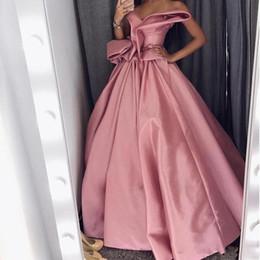 Bonitos vestidos para fiesta de graduación online-Pretty Arabia Saudita Celebrity Vestidos de baile Vestidos para fiestas Vestidos para ocasiones especiales Cariño Sin mangas Plisados Fruncido Satén Vestidos de noche