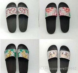 Wholesale plush flip flops - WITH BOX 2018 Hot Fashion slide sandals slippers for men and women Designer flower printed unisex beach flip flops slipper BEST QUALITY