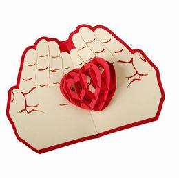 Valentinstag Geschenk Liebe in der Hand 3D Pop up Grußkarte Postkarte Laser geschnittene handgemachte Hochzeit Post Einladungskarte von Fabrikanten