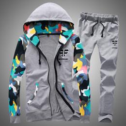 2019 ternos de camuflagem masculinos de moda Homens Moda Camuflagem de Manga Longa Hoodies + Calças Conjunto Masculino Treino Ao Ar Livre Terno Gyms dos homens Conjunto Casual Sportswear Terno ternos de camuflagem masculinos de moda barato