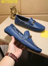 nom de marque des hommes Promotion Nouveau Designer Nom Marque Homme Casual conduite chaussures plat Kanye froissé en cuir robe Runaway chaussures Zapatos Hombre 38-44