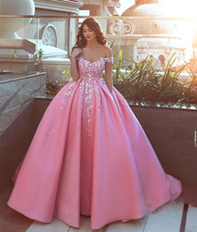 Wholesale Prom Dress Ball Gown 22w - Glamorous Satin Ball Gown Prom Dresses Floral Applique Off Shoulder Sleeveless Formal Party Dress Custom Made Couture Evening Dresses