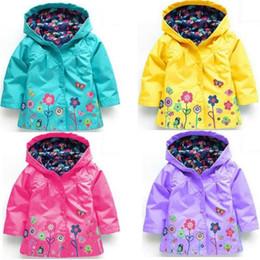 Cappotti da ragazza online-Le ragazze fioriscono l'impermeabile del rivestimento del fiore del cappotto del cappotto di inverno dei capretti di modo delle ragazze per l'antivento impermeabile all'aperto del windwear del outwear