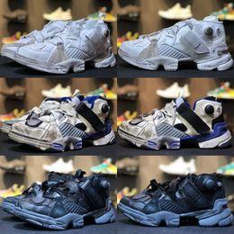 Wholesale graffiti fabric - 2018 new arrive Boots Running shoes Insta pump Fury x Vetements Graffiti Casual shoes Men Women Outdoor Training Sneaker Shoes Free Shipping