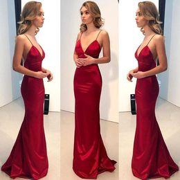 16b51d2a8a59 2018 Red Mermaid Evening Gowns Spaghetti cinghie lunghi Prom Dress pulsanti  Backless Party Dress Cheap BA9271 in vendita. 20% di sconto