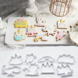 8 unids / set unicornio pastel de BRICOLAJE molde de La Hornada de Plástico En Relieve Molde de la Galleta Del Cortador de Galletas Resuable Moldes herramienta de decoración FFA938 desde fabricantes
