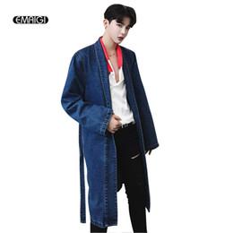 2019 jaquetas denim trench coat Atacado - Retro Denim Trench Coat Men Moda Casual High Street Hip Hop Long Jean Trench Jacket Masculino Denim Overcoat jaquetas denim trench coat barato