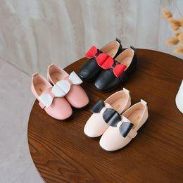 Canada En gros pas cher bébé chaussures fille robe de princesse chaussures enfants printemps automne mode en cuir bow chaussures enfants crochet boucle taille UE 21-35 cheap wholesale crochet girls dresses Offre