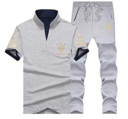 2019 longueur au genou t shirts hommes T-shirt de marque d'été à manches courtes pour hommes, vêtements de sport, deux pièces promotion longueur au genou t shirts hommes