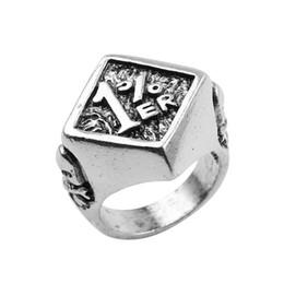 Кольцо скелетных пальцев онлайн-Старинные панк 1% ER мотоцикл байкер кольца один процент скелет серебряный цвет кольца мужские палец аниллос ювелирные изделия груза падения