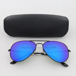 Wholesale holiday tops for women - Top quality Blue mirror lens Classic pilot sunglasses men women Holiday fashion sun glasses come 18 color for choose with free cases