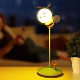 luce dell'umore animale Sconti Nuova luce da tavolo Honeybee 3 modalità di funzionamento Night light Studente Desk Lampada da tavolo Eyecare New Exotic Creative 3d Lampada da tavolo