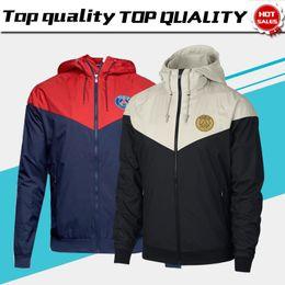 Cappello xl online-New PSG Wind Coat Jacket With Hat 18/19 Paris Saint-Germain Giacca da allenamento uniforme da pioggia PSG Giacca da calcio bianca nera