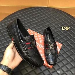 Abiti da sposa aa online-AA Top mens scarpe a spillo in camoscio nero, mocassini business di marca griffato scarpe da sposa, moda uomo oxford 38-44drop spedizione