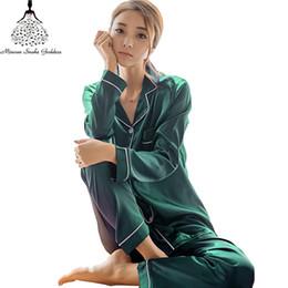95a3f0921250e Pijamas de satén de seda fijados más el tamaño M-5XL Ropa de dormir de  manga larga Mujer del sueño Conjunto de dos piezas Camisas Loungewear +  Pantalones ...