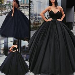 Sexy vestidos de quinceañera negro online-Vestido de baile 2018 Vestidos de quinceañera negros Vestidos de baile Sweetheart para plisados dulces 16 Vestidos de baile Vestidos de quinceañera por encargo