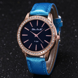 Wholesale Box Color Pattern - Lady Fashion Diamond Watch Casual Couple F-334 Crystal Pattern Leather Strap Pin Buckle 40mm Quartz Clock New Design Free Shipping With Box