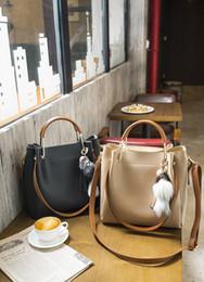 Wholesale Good Messenger Bags - 2018 Good Quality Classic Autumn winter new fashion belt small bag wild simple handbag retro shoulder bag messenger bag purse