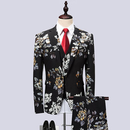 Корейские мужские костюмы онлайн-2018 Spring Korean Version of The New Three-piece Suit Male Korean Version of The Host Show Floral Personality Suit Dress CD50