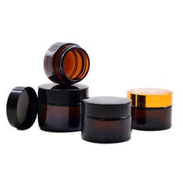 Vaso a mano online-Bottiglie di crema cosmetica di vetro ambrato Bottiglia di vasi rotondi con fodere interne bianche PP per crema viso per mani da 5g a 100g