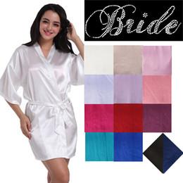 Custom Short Rhinestone Bride Wedding Robe Seda Satin Kimono Wedding Prepárese Por la mañana Albornoz Wedding Party Robes For Bride Custom desde fabricantes