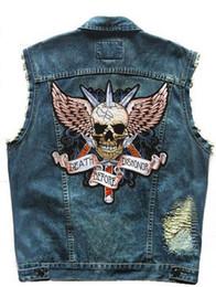 Remendo do motociclista do bordado on-line-Mens Moto Biker Coletes Emblemas Rebite Bordado Do Punk Esqueleto Cavaleiro Asas Patch Homens Da Motocicleta Clube Denim Vest Afligido 5XL
