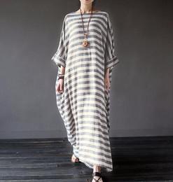 b60b22ef0 Vestido maxi largo extragrande de la raya de la manga de Batwing de las mujeres  Vestido Kaftan Tops de lino de la raya de algodón Vestidos OOA4158