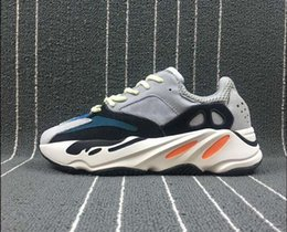 Wholesale fabric chalk - High Quality Retro Wave Runner 700 Kanye West 700 Boost Grey Causal Shoes Boost Mens Women Solid Grey Chalk White Core Black Sneakers