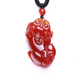 hand carved stone pendants Promo Codes - KYSZDL HOT sell natural red stone pendant PIXIU Hand Carved gift men and women free shipping